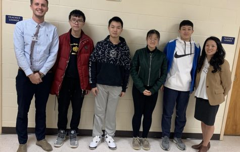 Representative from the Sister School in China Visits PIHS